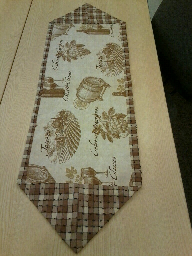 Classes husqvarna viking sewing gallery page 137 for 10 minute table runner